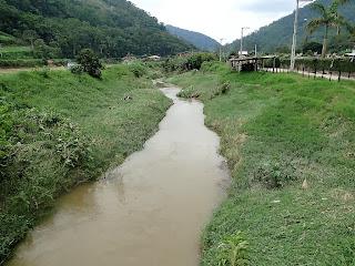 Prefeito Arlei visita áreas afetadas pela forte chuva desta quinta-feira, 5 - interior de Teresópolis