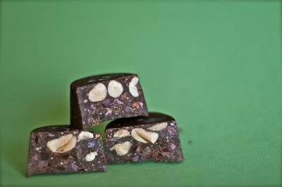 Sjokolade med nibs og nøtter