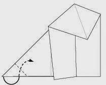 Bước 5: Gấp góc bên trái tờ giấy vào bên trong khe hai tờ giấy.