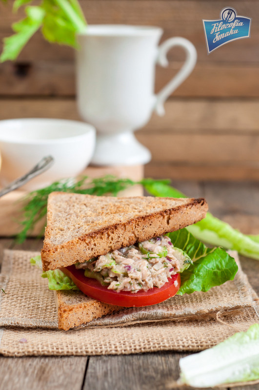 przepis na sandwich z tuńczykiem