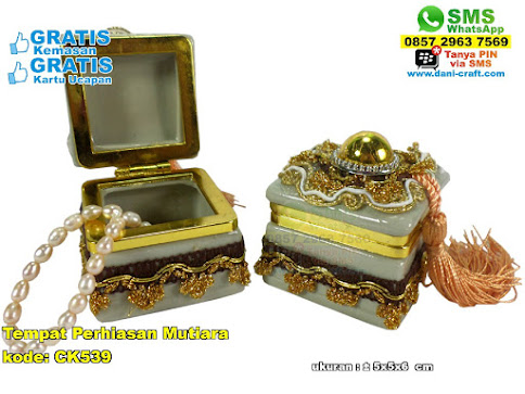 Tempat Perhiasan Mutiara