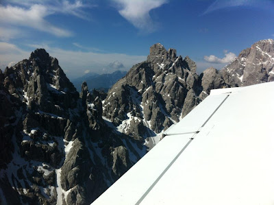Sobrevolant les Dolomites.