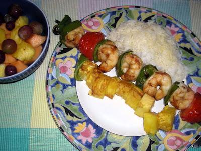 Shrimp pinchos (kebabs)
