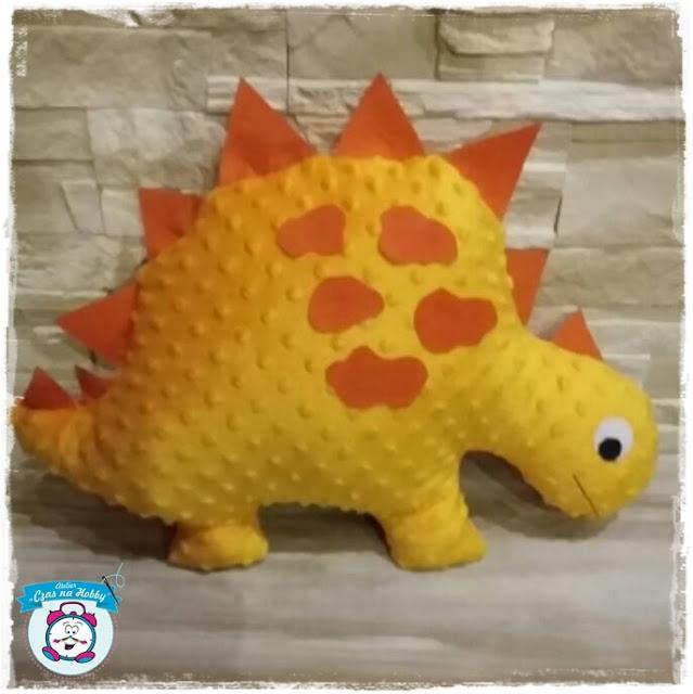 Poducha dla małego wielbiciela dinozaurów.