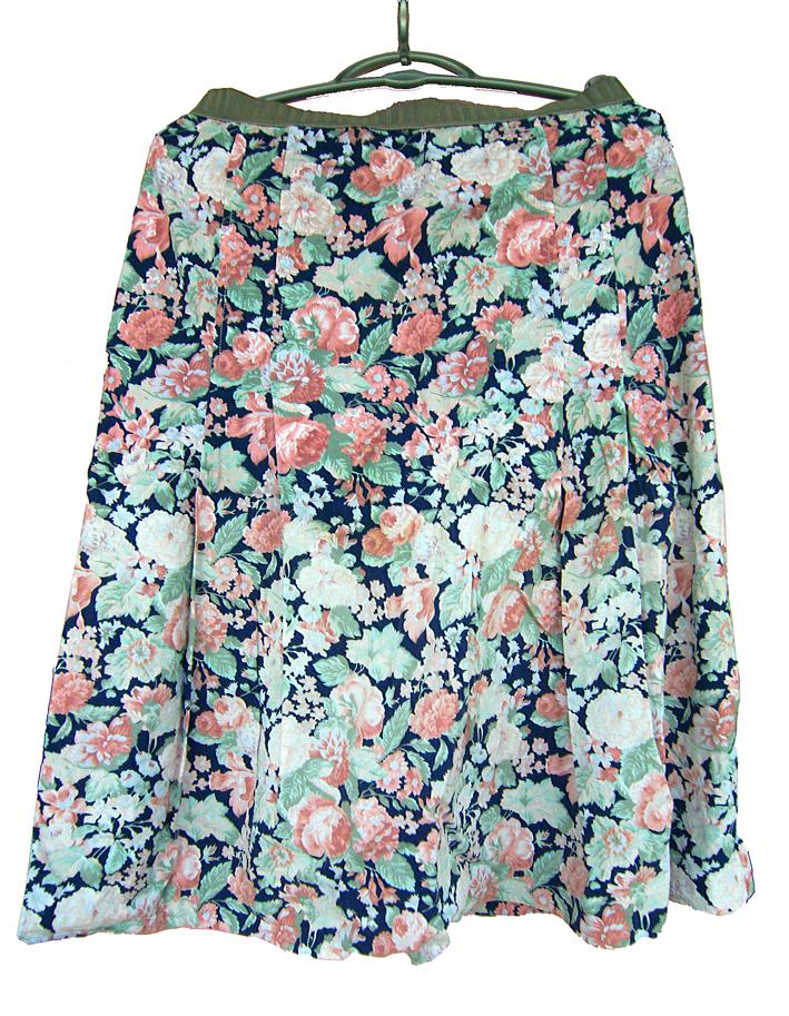 fusta midi romantica cu trandafiri roz
