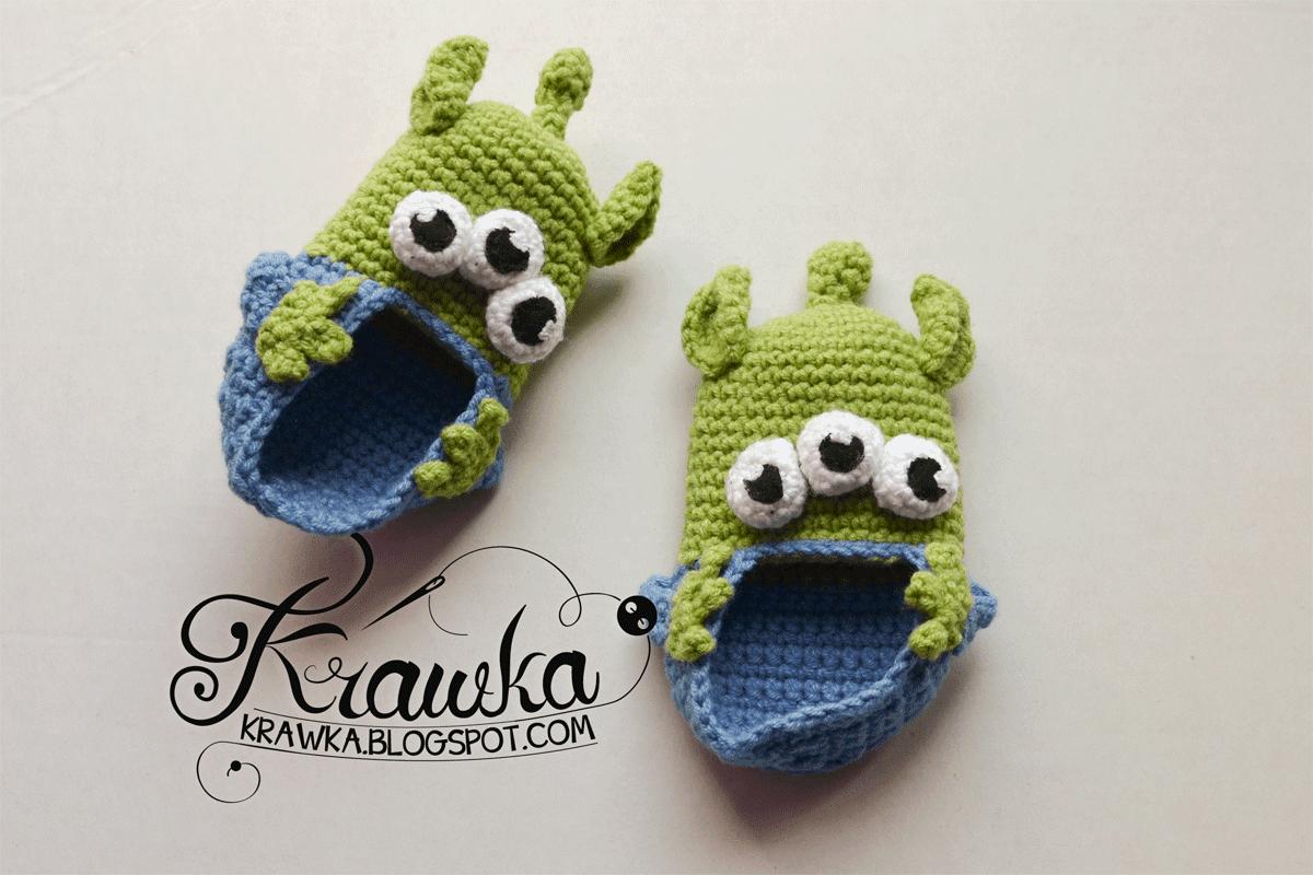 Buciki dla niemowlaka inspirowane kosmitami z toy story. Toy Story aliens inspired crochet booties for toddlers