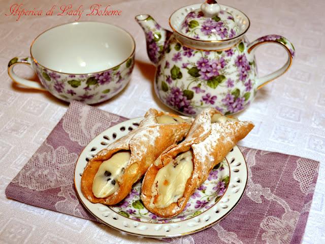 hiperica_lady_boheme_blog_di_cucina_ricette_gustose_facili_veloci_cannoli_fritti_con_crema_2