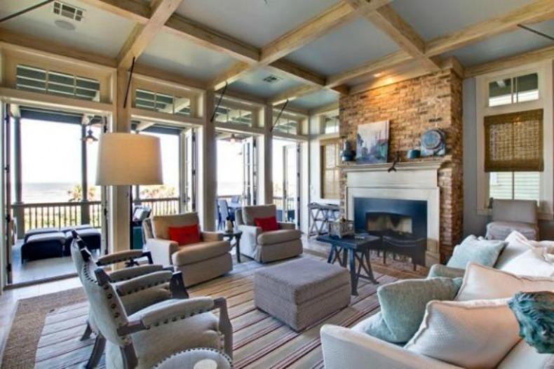 Traditional, coastal living room