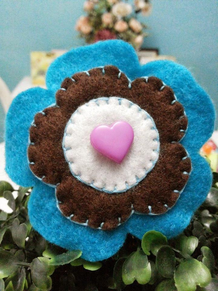 BIG FLOWER BROOCH