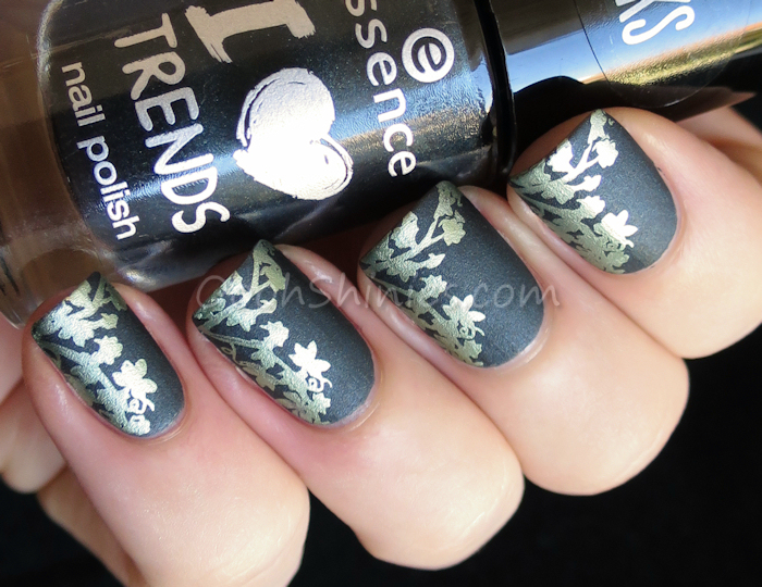 Essence Happy New Green with Kiko #626 Lawn Green and UberChic Beauty plate UC 4-02