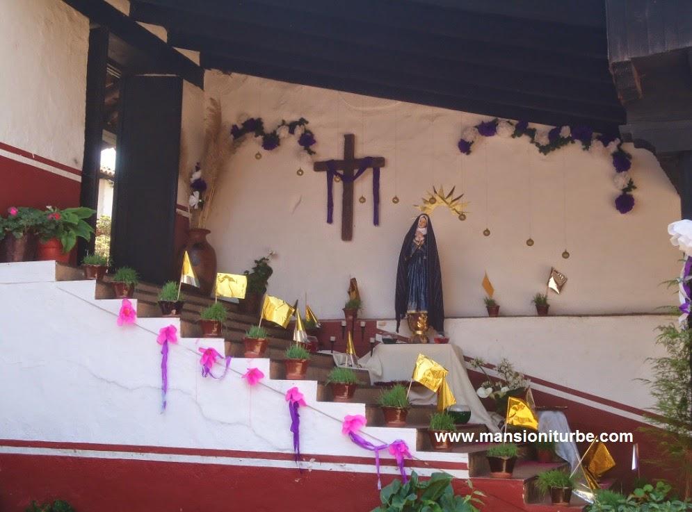 Altar de Dolores en la Casa de los Once Patios en Pátzcuaro