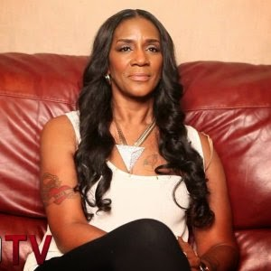 Momma Dee Sends A Message To Diamond