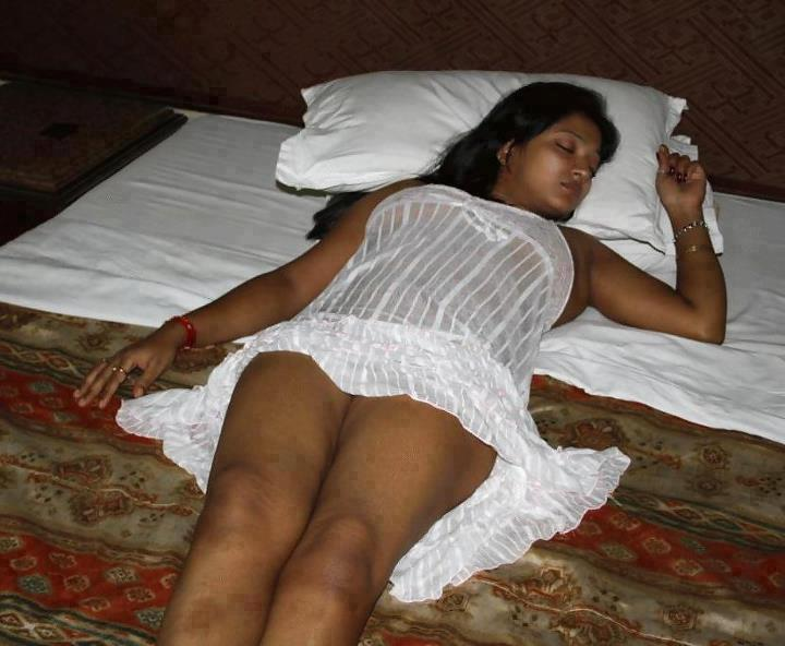 pakistani naked girls sleeping