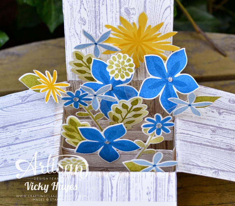 Flower Patch by Stampin' Up has matching framelits - get 15% discount when you buy both together from my online shop