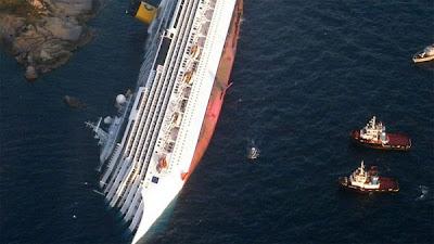 Foto Tenggelamnya Kapal Pesiar Costa Concordia