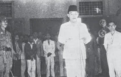 Jelaskan Jasa Bung Hatta dalam Proses Proklamasi Kemerdekaan Indonesia!