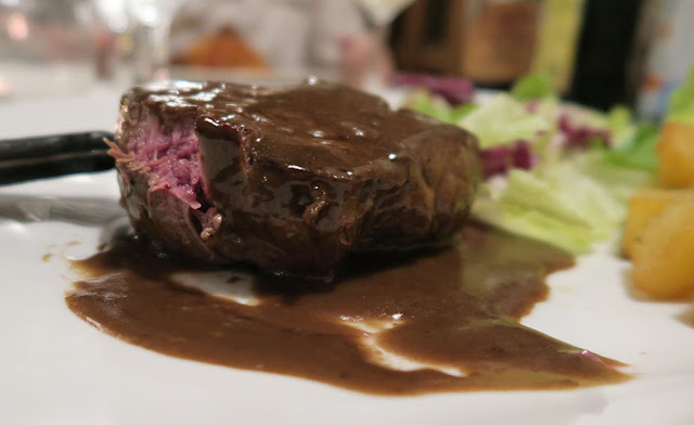 Rare beef with balsamic gravy