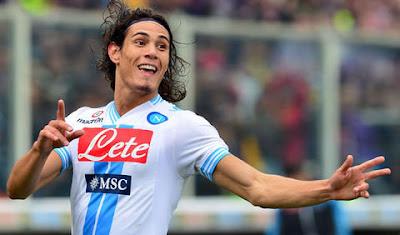 Cavani llegó al centenar de goles en la Liga Italiana