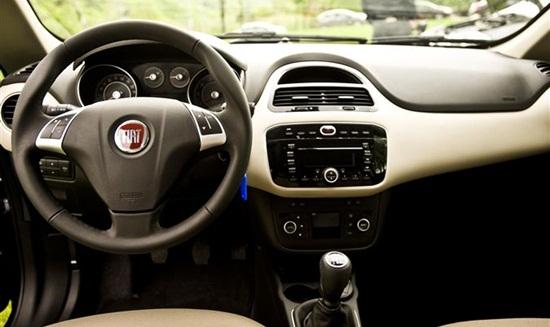 novo Fiat Linea 2014 interior