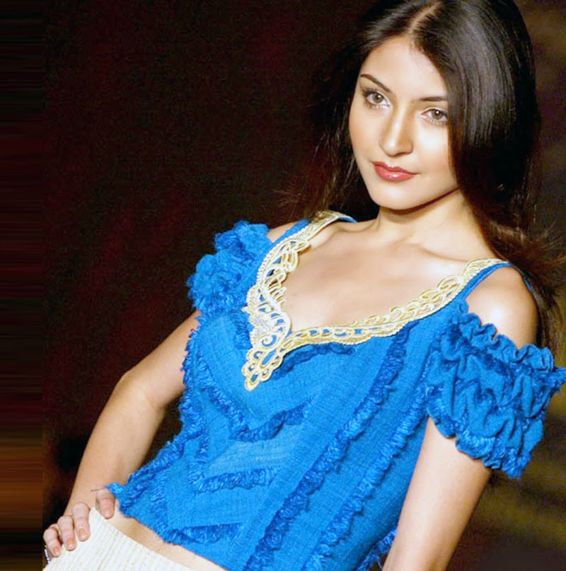 Anushka Sharma In white shorts on ramp  and other Hot Pics HD Stills