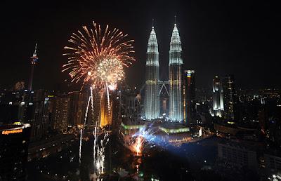 Apakah Hukum Menyambut Tahun Baru Masehi?