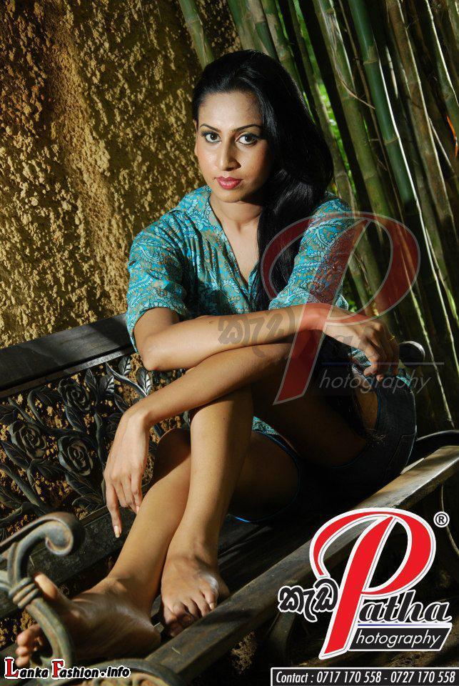 Lankan Models Gallery : Nilukshi Amanda Silva New Photo Shoot