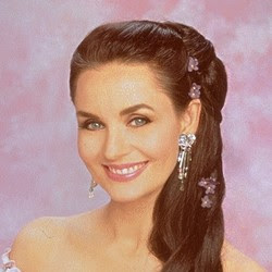 Crystal Gayle Long Hair http://singerspoponline.blogspot.com/2011/11/crystal-gayle-best-hollywood-singer.html