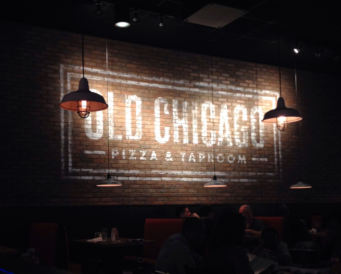 Old Chicago, pizza, beer, Chapel Hill Restaurants, taproom