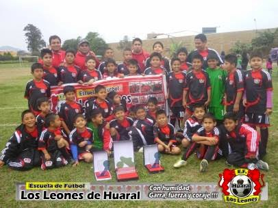 """Escuela de futbol """"Los Leones de Huaral"""" campeones """"Creciendo con el Futbol 2014 – Apertura"""" categorias: sub- 6, sub-8 y sub- 12"""