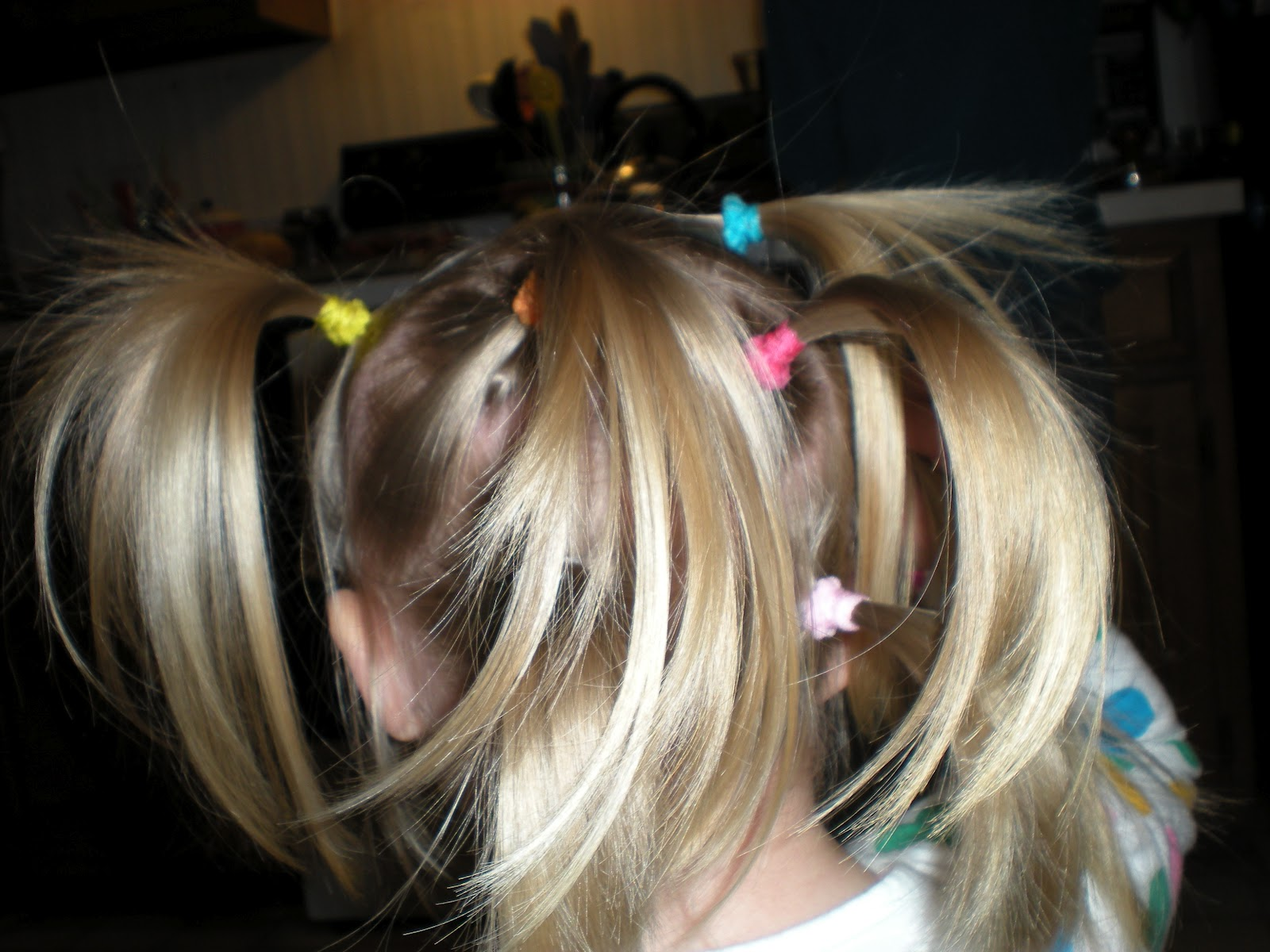 Tacky Day Hair Ideas http://jennandchrisandkpr.blogspot.com/2012/04/crazy-hair-day-wacky-tacky-day.html