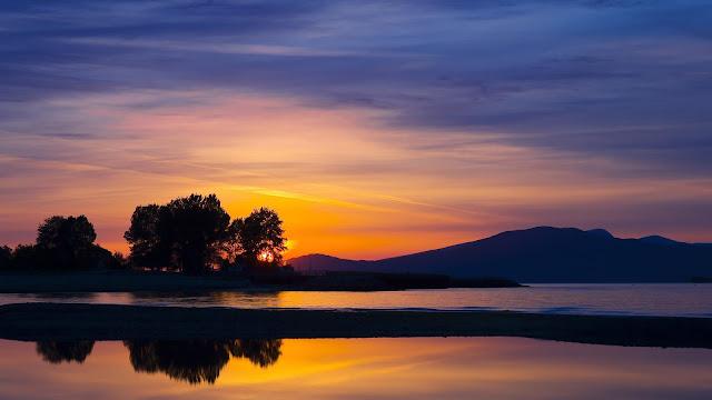 Beautiful Sunset Hills