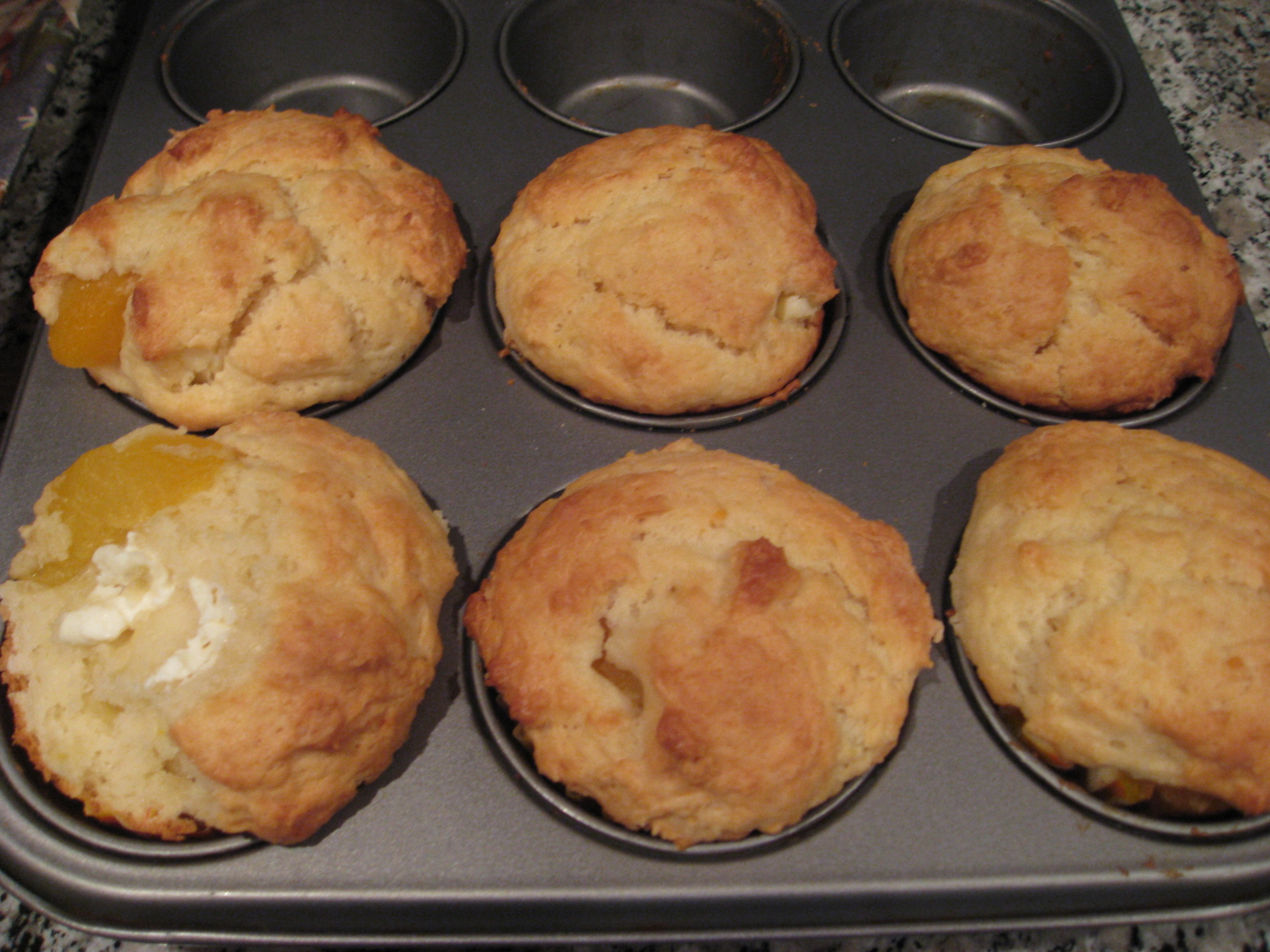 Eat.Cook.Play: Peaches 'n' Cream Muffin