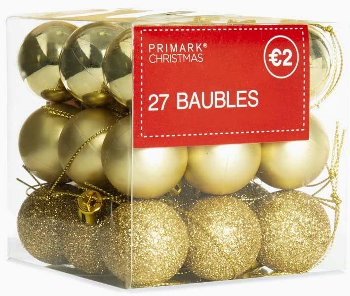 Primark navidades: bolas doradas para el árbol