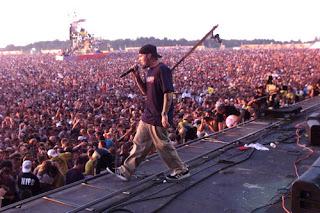 7. Limp Bizkit no Woodstock, 1999