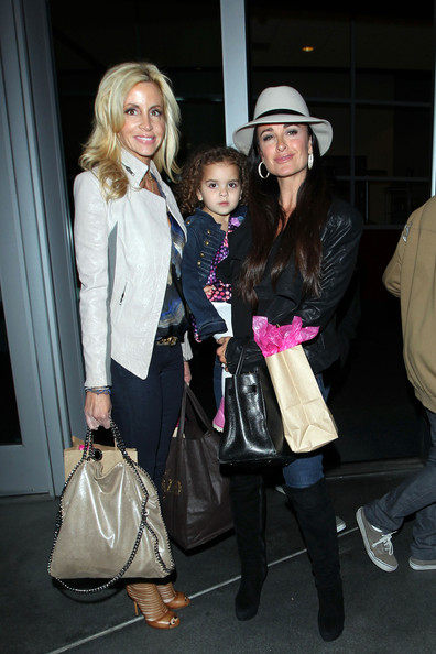 RHOBH Take In The Lakers Game!