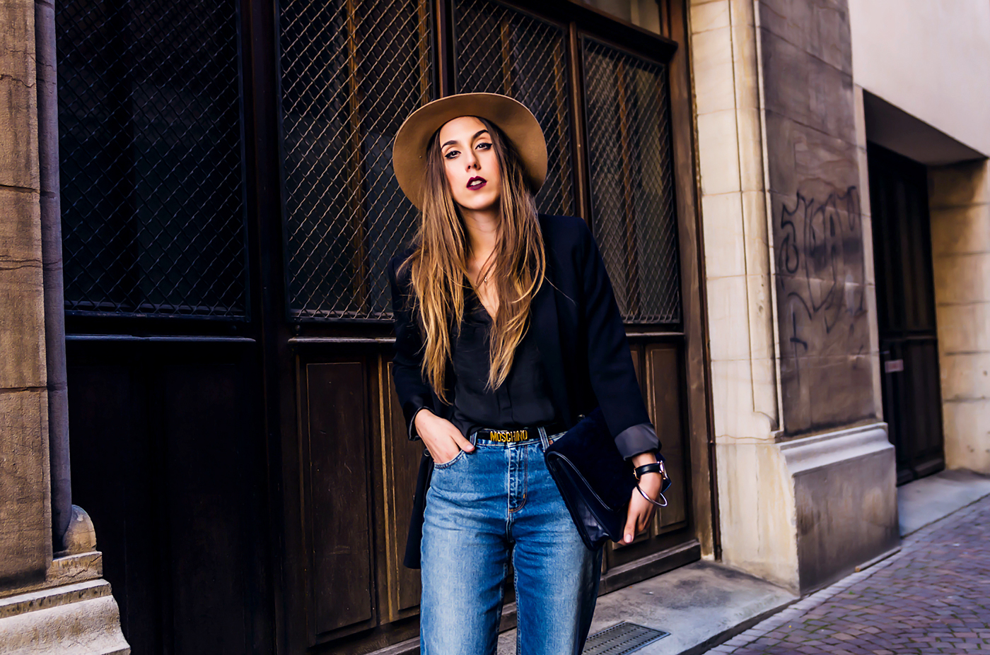 alison liaudat, swiss fashion blogger, blog mode suisee, Schweizer bloggerin, beauty blogger switzerland, moschino, sandro paris, hat, daniel wellington,