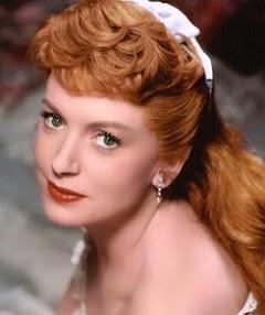 Deborah, pelirroja, guapa, elegante y talento a raudales