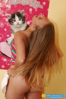 Sexy Pussy - rs-Hello_Kitty_dawsonmiller_hello_kitty_018-795021.jpg