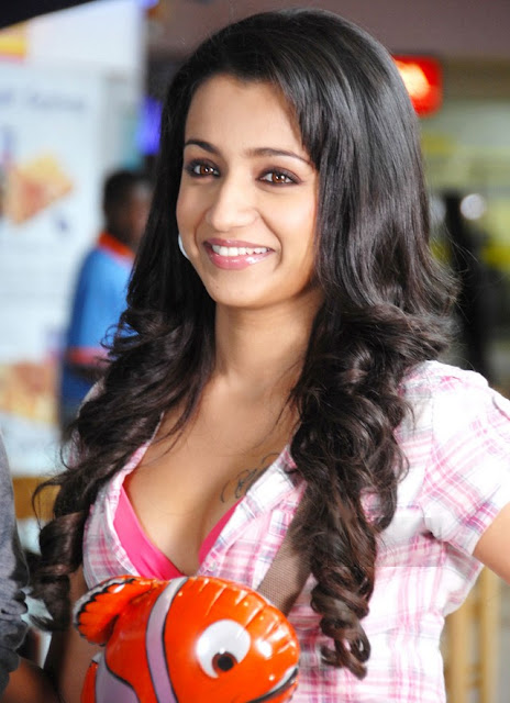 trisha hot photos without dress
