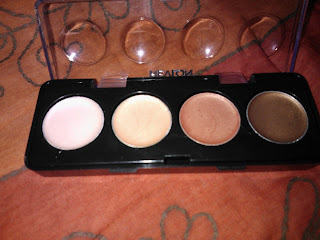 Revlon Cream eyeshadows image