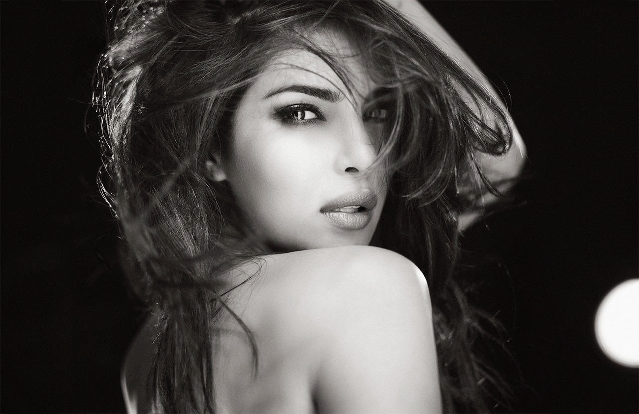 HD Wallpapers and Images of Hot bollywood actress Priyanka Chopra hot ...
