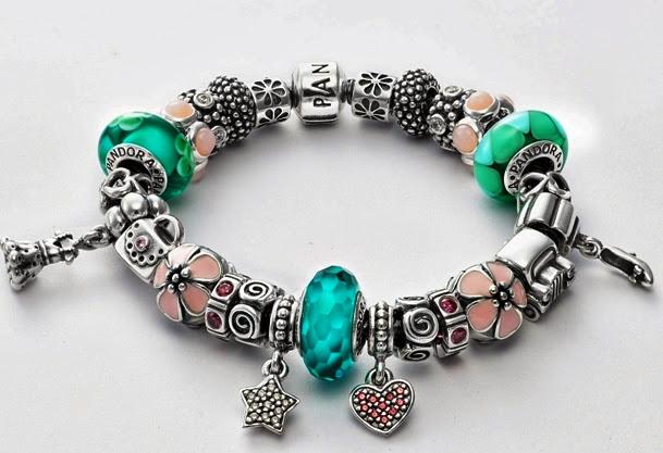 Lebaran Raya, Pandora Charm Bracelet