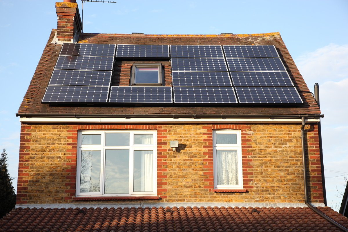 Do Solar panels still give a good investment return?