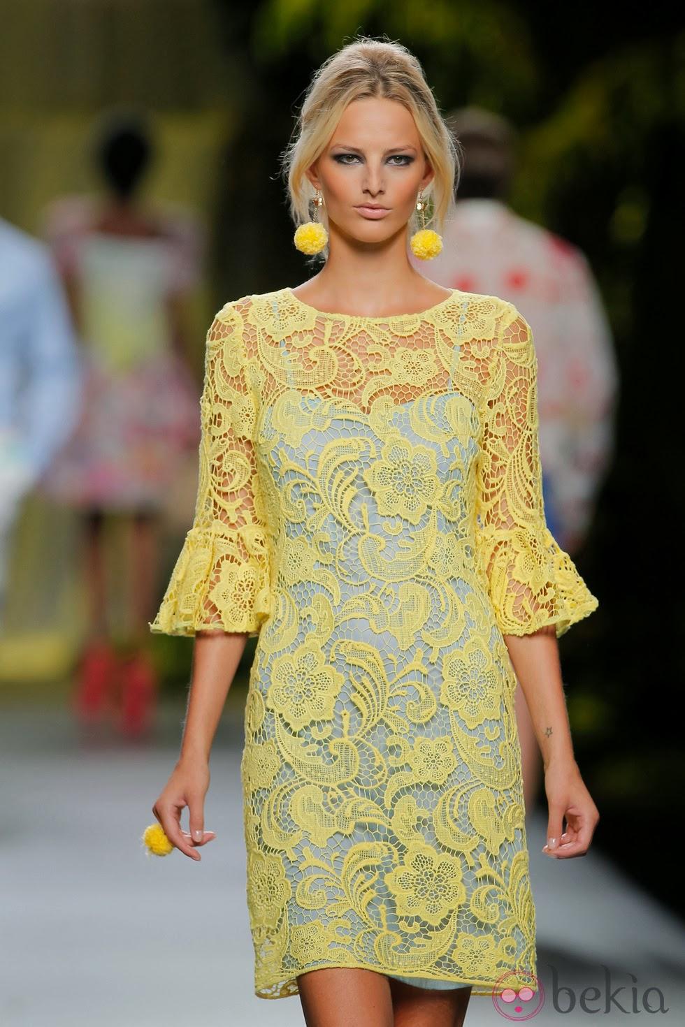vestido encaje amarillo