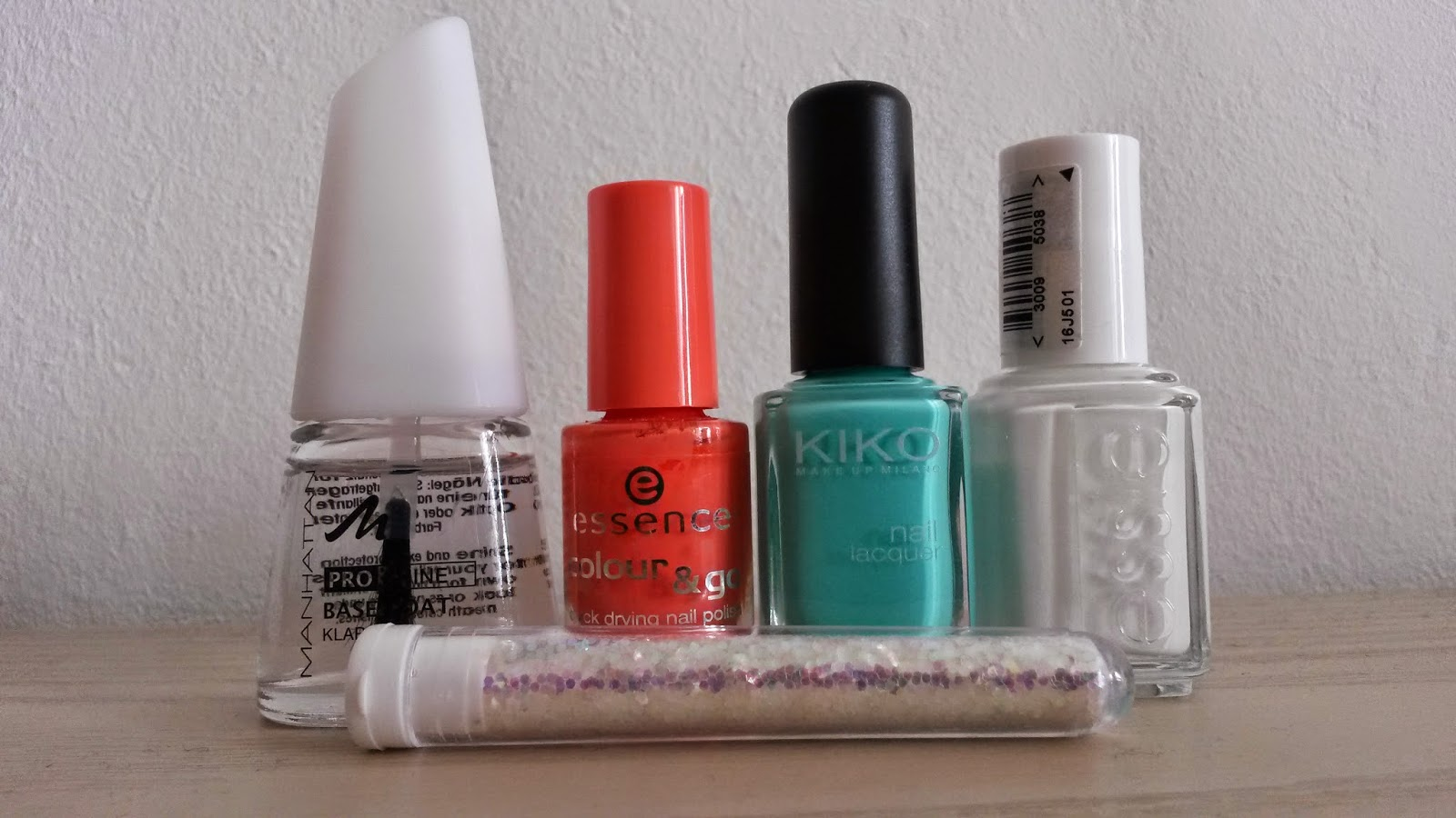 my world is pink nail art glitzerbl mchen. Black Bedroom Furniture Sets. Home Design Ideas