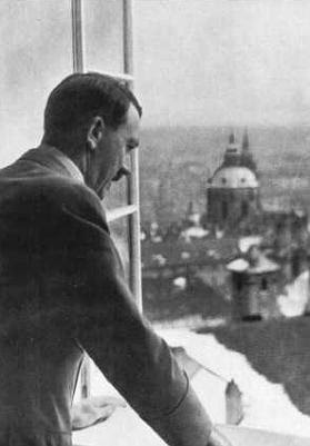 Adolf Hitler Czechoslovakia Sudetenland worldwartwo.filminspector.com