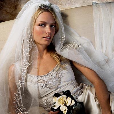 wedding veils tiaras  wedding hairstyles with veil