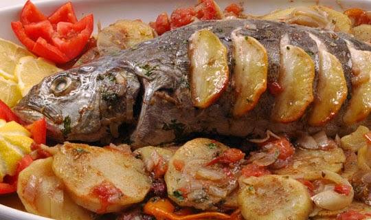 طريقة عمل سمك مشوي مع البطاطس