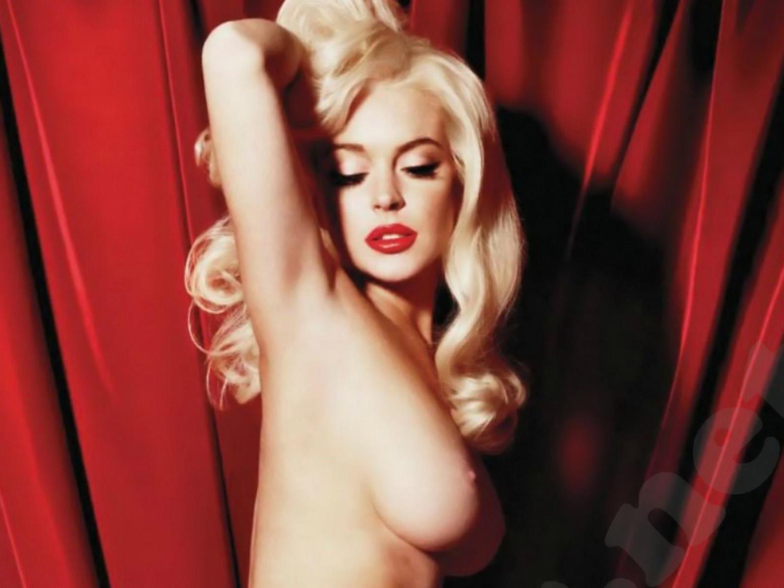 Lindsay Lohan Nude Naked Hot Boobs
