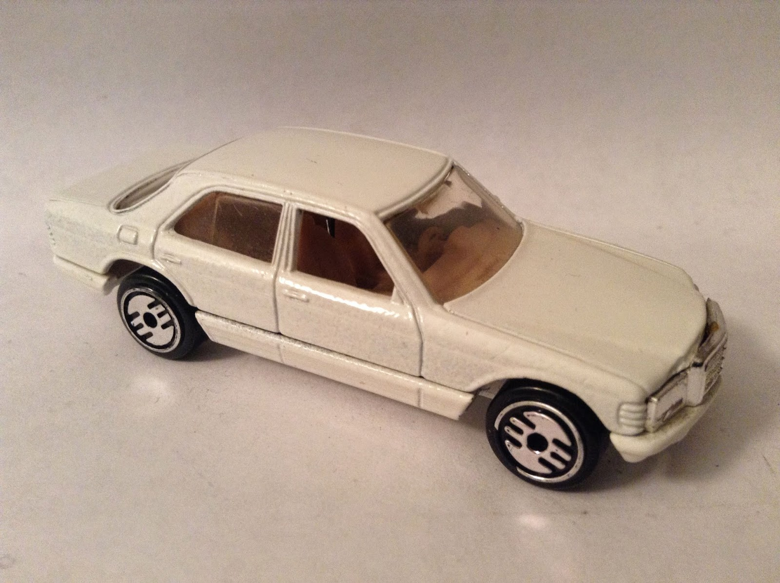 Las Diecast Blog Hot Wheels Mercedes 380 Sel Custom Decal Datsun Wagon Japan Histori I Wanted To Go For A Factory Look And Lot Of These Cars Were Two Tone Loved The Back Then Have Say